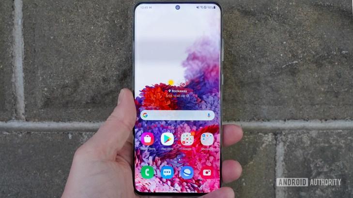 Samsung Galaxy S20 Ultra in hand