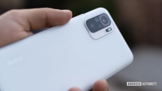 Redmi Note 10 review showing camera