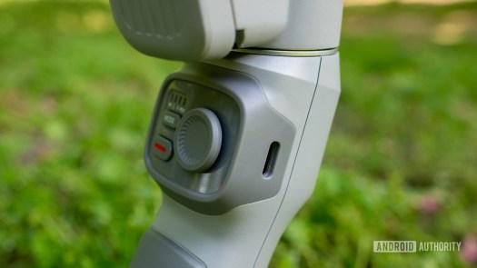 Zhiyun Smooth Q3 USB C charging port