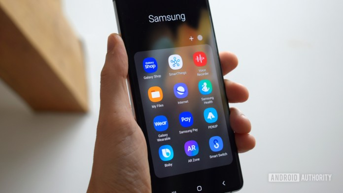 Samsung Galaxy S21 Ultra One UI software apps menu