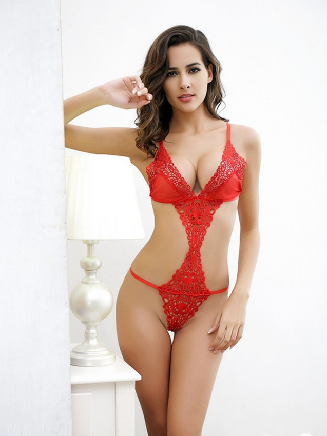 Intimate Teddy Lingerie With Open Front And Sides In Red
