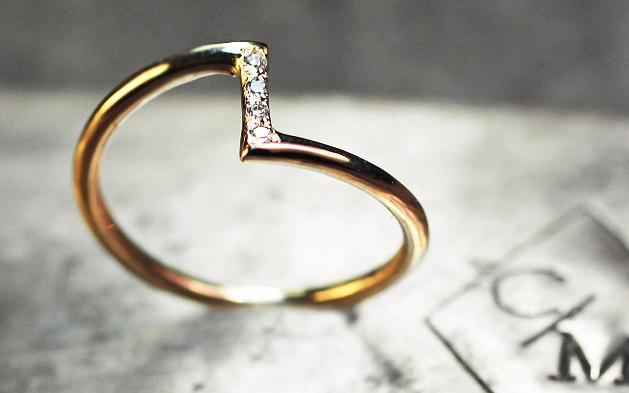 Diamond Zig Zag Ring - Chinchar Maloney