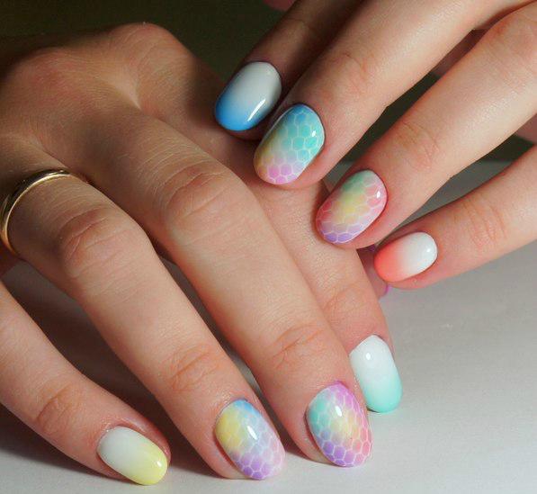 nail art airbrushing nails - spray