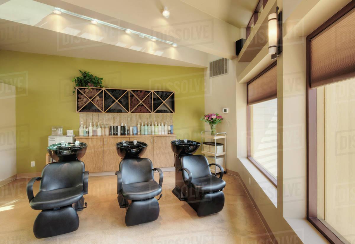 hair washing sinks in beauty salon d145 27 944