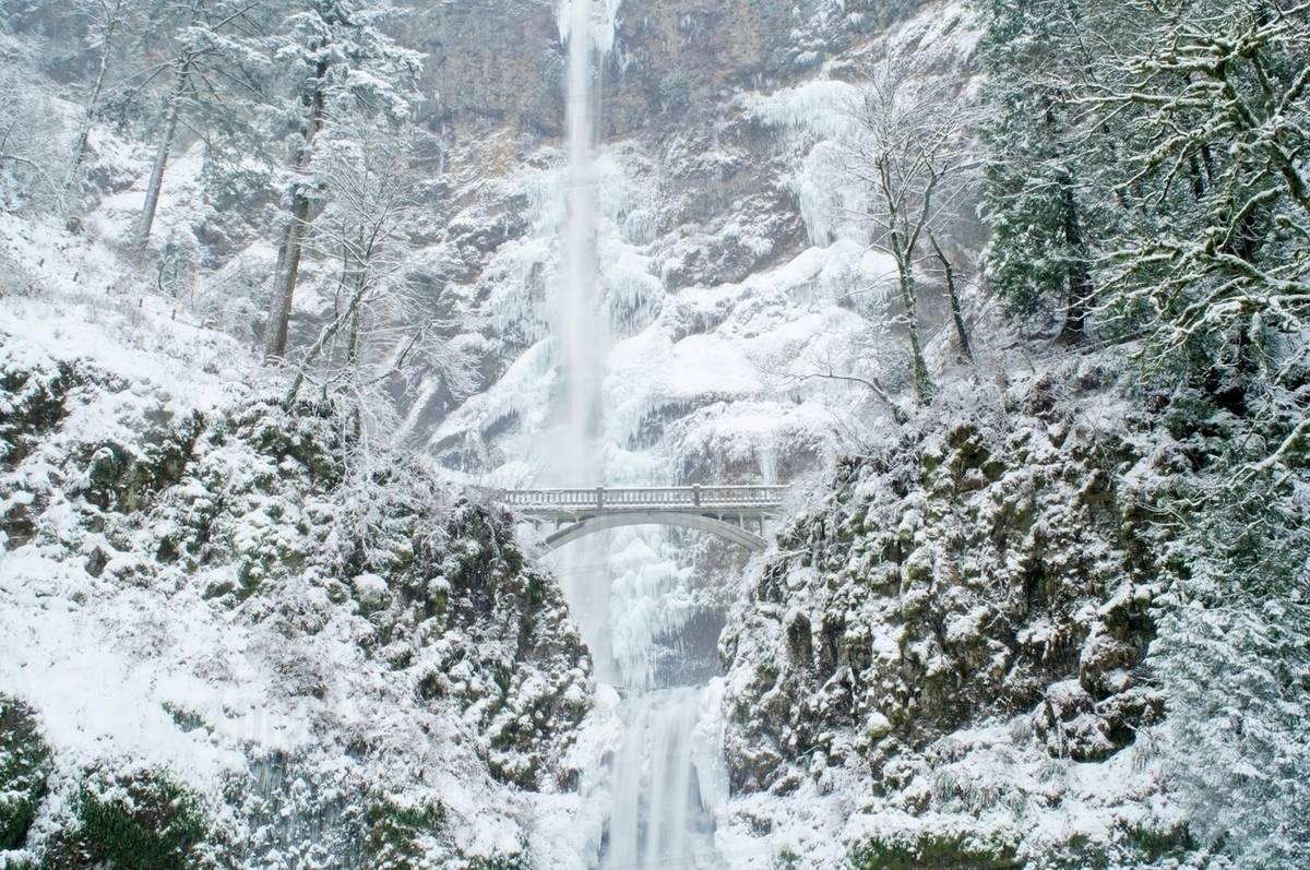 Free Multnoma Falls Winter Wallpaper Multnomah Falls In Winter Columbia River Gorge Oregon
