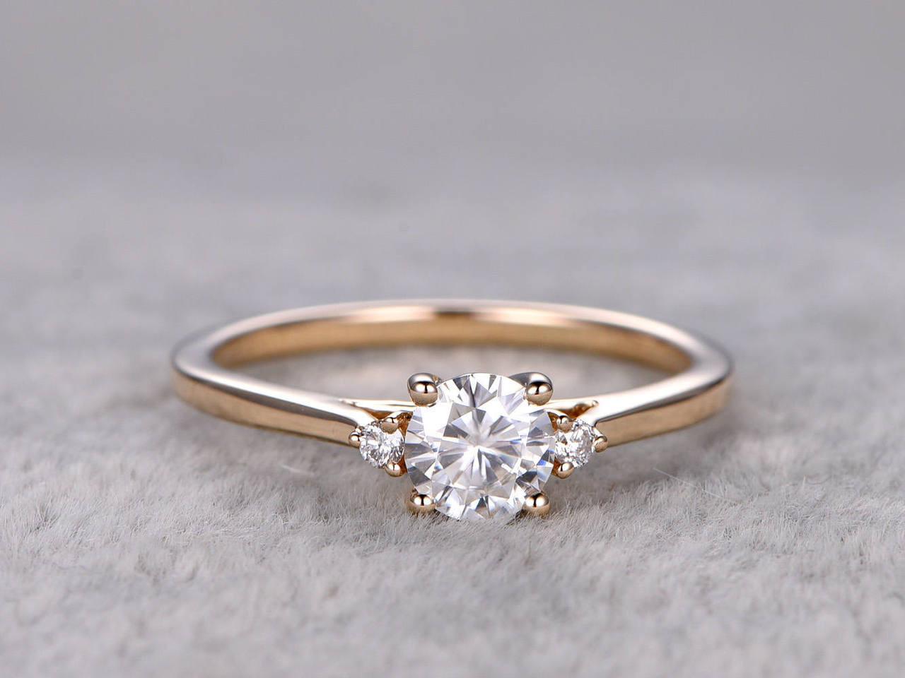 Moissanite diamond engagement rings