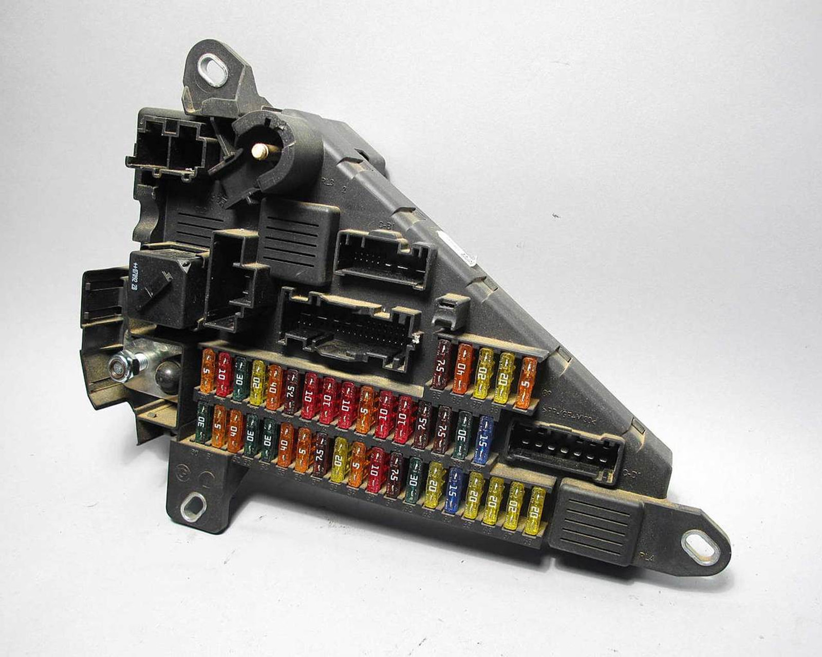 medium resolution of 2006 2010 bmw e60 5 series 6 series e63 trunk boot fuse power 2006 2010