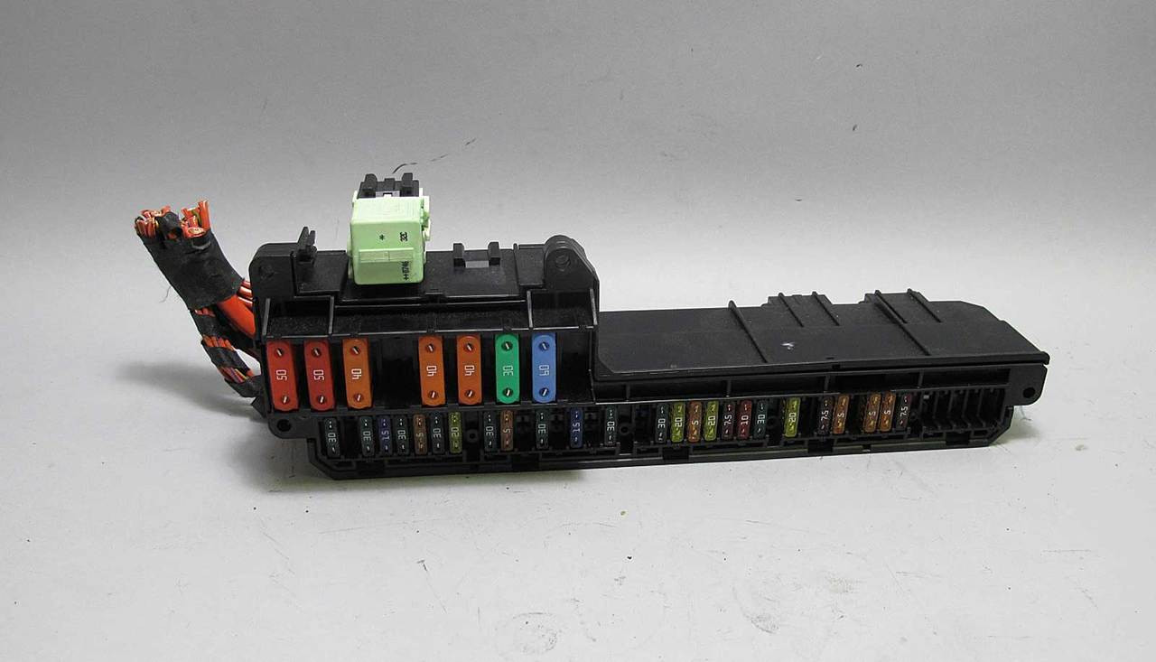 hight resolution of bmw e60 5 6 series e63 interior glove box front fuse box panel 2004 bmw