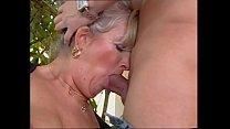 Bokep Zia Elvira me lo succhia e me lo aspira (Film Completo)