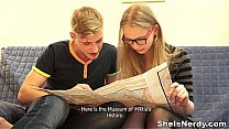 Bokep She Is Nerdy - This blonde teeny is in the city