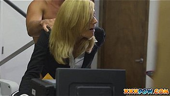 Bokep Blonde milf becomes a prostitute in a pawn shop