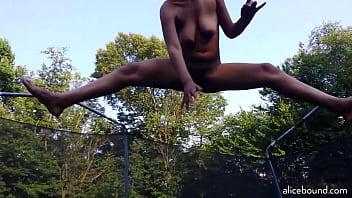 Bokep Naked Trampoline Dare