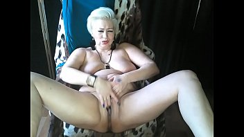 Mature Russian bitch AimeeParadise passionately cums in private shows ... Bon appetit, boys ))