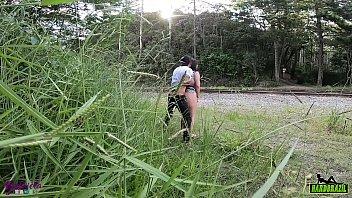 Bokep Seks Casal fodendo no mato é flagrado sem ser percebido