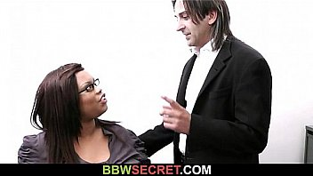 Bokep Married boss screws ebony secretary and gets busted