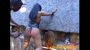 Bokep Ebony amateur blindfolded, bound and punished hard in garden