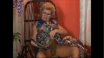 Bokep GRANNY ANALIZED BY REPAIRMAN