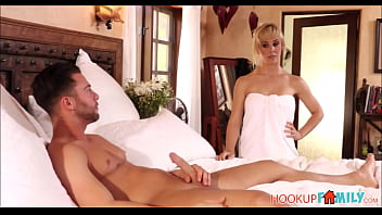 Bokep Sexy Blonde Stepmom Cherie DeVille Rough Fuck For Horny Stepson