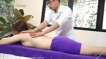 massage in bedroom by man
