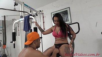 SetSexVideos - Babi com Loupan transando enquanto fazem ginástica.