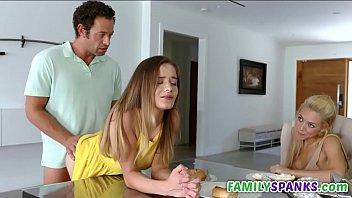 Video Porno Naughty Step Dad Fucking Juicy Pussy