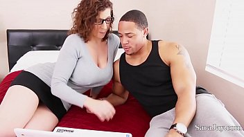 Bokep Busty tutor Sara Jay is ready to fuck her student so that he can get some extra credit and play for the football team! Sara is literally taking one for the team! Join now to see full video!