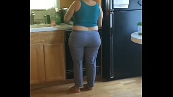 hispanic mom with monster ass and big tits candid