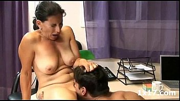 Porno Mature and Young