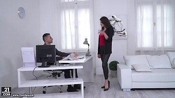 Francesca Dicaprio let her boss fuck her ass