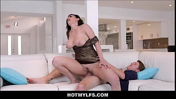 Hot Big Tits Brunette Stepmom Sex With d. Stepson After A Night Out