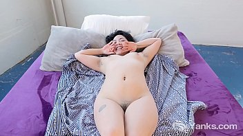Beauty amateur Asian babe from Yanks Hope Gold loving her delicious clit