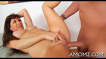 Amomz