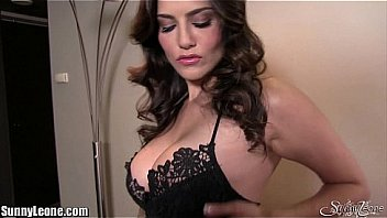 XXX Sunny Leone masturbating a home
