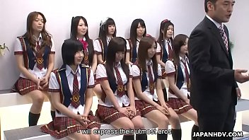 Bokep Japanese schoolgirls do some naughty stuff during the idol competition