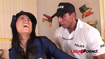 Bokep Crime scene doesn't stop Officer Madison Parker from hardcore ass fucking GP128