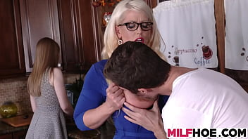 Bokep Stepdaughters Boyfriend Gets Seduced By Mom