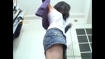 Asian amateur teen does it for cash!!