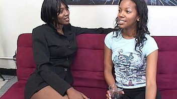 Bokep Two horny black dykes use strapon
