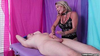Bokep Hot mature lady jerk off
