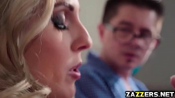 Porno Christie Stevens sucking Johnny Sins big cock