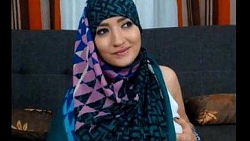 Muslim Girl Very Sexy Very Horny Teasing Stripping Dancing Sex Hijab Arabian Jilbab