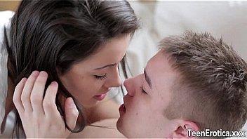 Bokep Sexy kissing Teens sensual fuck