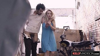 Video Bokep Horny Blonde Can't Resist BBC on the Street