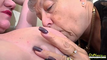 Juicy mature pussies licking lesbian footage