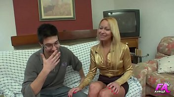 Tamara teaches anal to 20 years old nephew