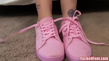 Bokep Teen Jae Lynn Loves To Give Footjob for Fucked Feet!