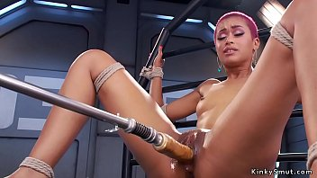 Hot ginger ebony babe in wet pussy shoves machine