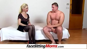 Maya a Czech Milf wears sexy stockings gets pussy eating