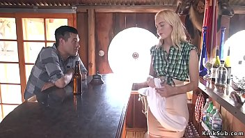 Nonton Bokep Blonde beauty Chloe Cherry is maid in Saloon and mountains drifter Xander Corvus tied up her and anal and pussy fucked