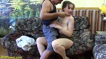 Video Ngentot big natural breast chubby stepmom enjoys her first rough big cock anal fuck lesson